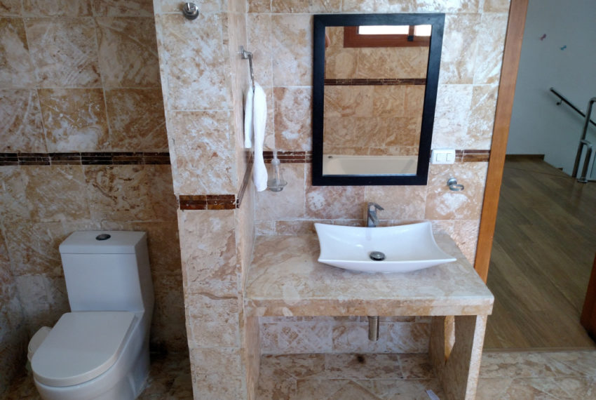 Sybaris Suites & Residences - lavamanos